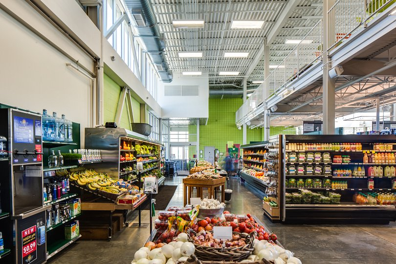 produce-section-with-mezzanine-above